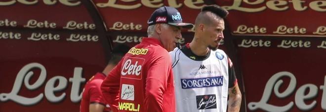 Il Napoli di Ancelotti prende forma: prime prove con Hamsik regista