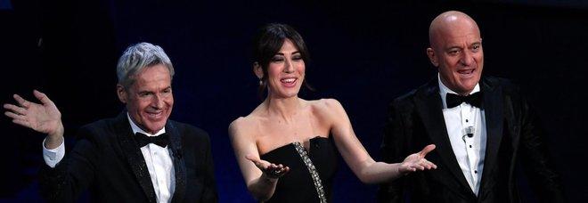 Sanremo 2019, diretta. Bocelli emoziona con il figlio. Gag Bisio: «Baglioni? Un sovversivo»