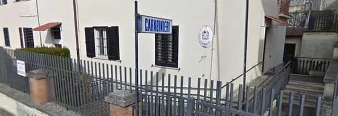 Cassino, violentata dal padre a 14 anni: l'uomo trovato impiccato