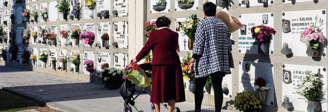 La sepoltura di un defunto in cimitero a Rovigo potrà arrivare a costare quasi mille euro in più