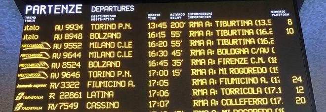Treni, ritardi arrivano a 200 minuti: quanti problemi sull'Alta Velocità