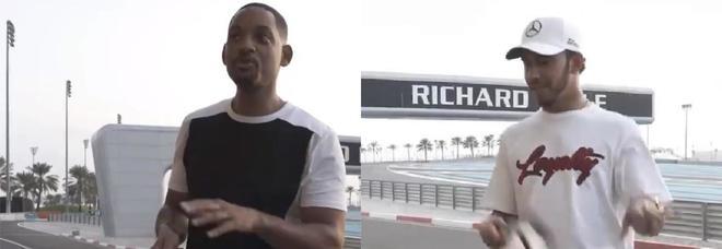 Will Smith dà lezioni a Lewis Hamilton: «Così si sventola la bandiera a scacchi»