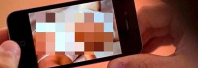 Oscurato canale porno
