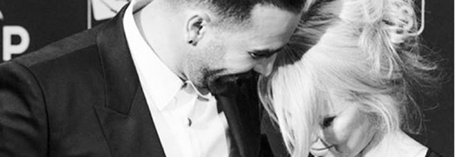 Pamela Anderson divorzia da Adil Rami: «Un mostro, la mia vita una bugia»