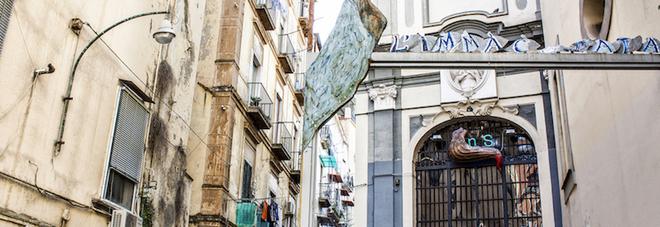 Napoli, cities on the edge