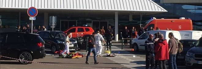 Corsica, spari in aeroporto di Bastia: un morto. Killer in fuga