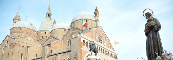 La vendita su eBay delle reliquie  di Sant'Antonio: osso a 390 euro