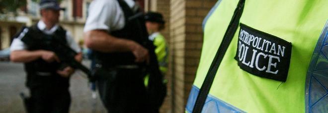 Nuovo omicidio a Londra, 24enne accoltellato a morte nella notte: in 60 uccisi da inizio anno