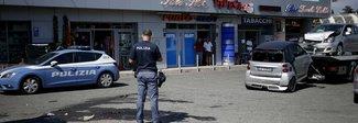 Sparatoria in strada in pieno giorno: arrestato titolare di una sala per  slot machine