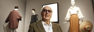 Morto Givenchy, aveva 91 anni: tra le sue muse Audrey Hepburn