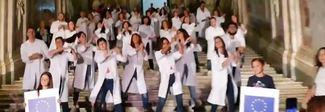 «Ritorno al futuro», flash mob dei ricercatori Neuromed   Video