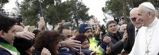 Il Papa: «Un Paese che litiga tutti i giorni non può crescere, serve concordia»