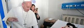 Papa Francesco: «Oggi peggio che a Sparta, si scartano i bambini con le malformazioni»