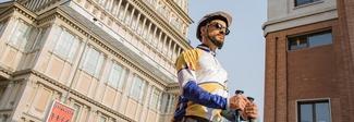 Fa il giro del mondo con i pattini: 30 mila km da Torino toccando i cinque continenti. Ecco chi è l'eroe