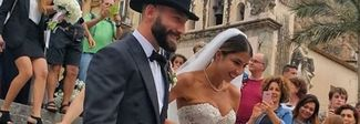 Tonelli si sposa, ma la sua Claudia è troppo scollata. Ira del vescovo: «Indecoroso»