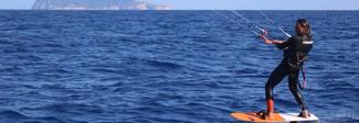 L'impresa del giovane fondano Cavaiola: traversata in kite da Palmarola a Terracina