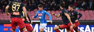 Napoli-Genoa 1-0: decide Albiol. Sarri a -2 dalla Juventus