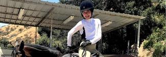 Da Angelina Jolie a Selma Blair: tutte pazze per gli stivali da cavallo