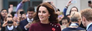 Kate Middleton premaman, il vestitino bordeaux è semplice e trendy Foto
