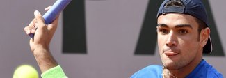 Roland Garros, Berrettini avanza al 2° turno, subito fuori Cecchinato, Sonego ko con Federer