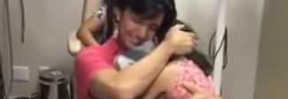 Riacquista l'udito dopo 35 anni: si emoziona ascoltando la figlia che lo chiama papà Video