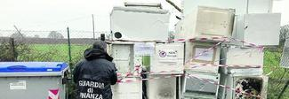 Scoperti i furbetti dei frigoriferi: grande catena li smaltisce in strada