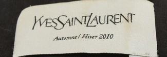 La fabbrica del falso Yves Saint Laurent: sequestrati 165 mila abiti contraffatti per 25 milioni di euro