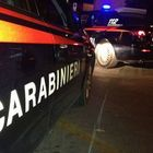 Donna carbonizzata trovata in campagna, è omicidio: mistero sull'identità della vittima
