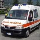 Roma, incidente a La Rustica, scooter si schianta contro auto: morto uomo di 48 anni