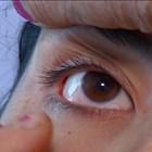 Giovane donna lacrima cristalli e lascia senza parole i medici