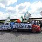 Velletri, protesta davanti al carcere: «Servono cento agenti in più»