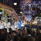 Napoli valuta il senso unico pedonale a San Gregorio Armeno: troppi turisti