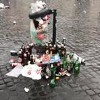 Piazza del Popolo dopo il passaggio dei tifosi tedeschi