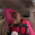 """Francesca Cipriani, panico sull'elicottero. """"Il pilota non mi piace"""". Ma alla fine si tuffa"""