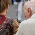 Lei lo seduce, lui tenta di rapinarlo: nel mirino un pensionato 80enne