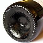 """Perché le bottiglie di vino hanno il fondo """"bucato""""? La risposta che non tutti conoscono"""