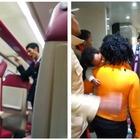 Migranti senza biglietto cacciati dal treno. Salvini esulta: «Via gli scrocconi»