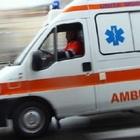 Brusca frenata per evitare l'incidente, passeggeri di un bus di linea feriti