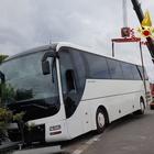 Pullman della gita scolastica finisce fuori strada: 32 bambini a bordo