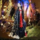 Biancaneve in vetrina a New York: l'abito da fiaba è firmato Alberta Ferretti