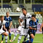 Covid-19, un positivo nel Parma: non è un calciatore. La squadra è in isolamento, chi è negativo gioca
