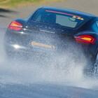 Bombe d'acqua e temporali estivi in auto, i consigli per evitare aquaplaning e rischi connessi a maltempo