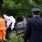 Fuori strada con l'auto sulla Cimina, muore giovane di Vallerano: 20 anni oggi. Gravissima una ragazza