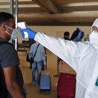 Roma, arriva volo dal Bangladesh: controlli e tamponi per i passeggeri