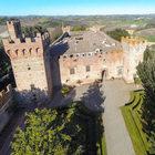 Vendesi castello fiorentino del 1400 progettato dal Brunelleschi: ospitò tre Papi
