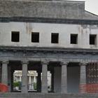 Raid nel cimitero di Avellino, furto di vasi e lapidi distrutte