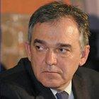 «Residenza in Svizzera per pagare meno tasse»: il post del Governatore Rossi su Facebook