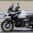 BMW, ecco la prima moto a guida autonoma: è una GS 1200 che va da sola