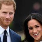 Meghan Markle e Harry, licenziato lo staff di 15 persone che avevano a Buckingham Palace: ufficio chiuso