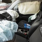Neonato morto per lo scoppio dell'airbag. I genitori indagati per omicidio colposo: andava disattivato